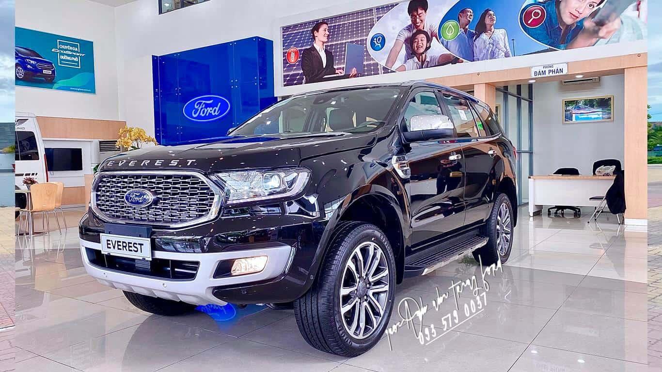 Ford Everest Titanium 4x4 màu đen