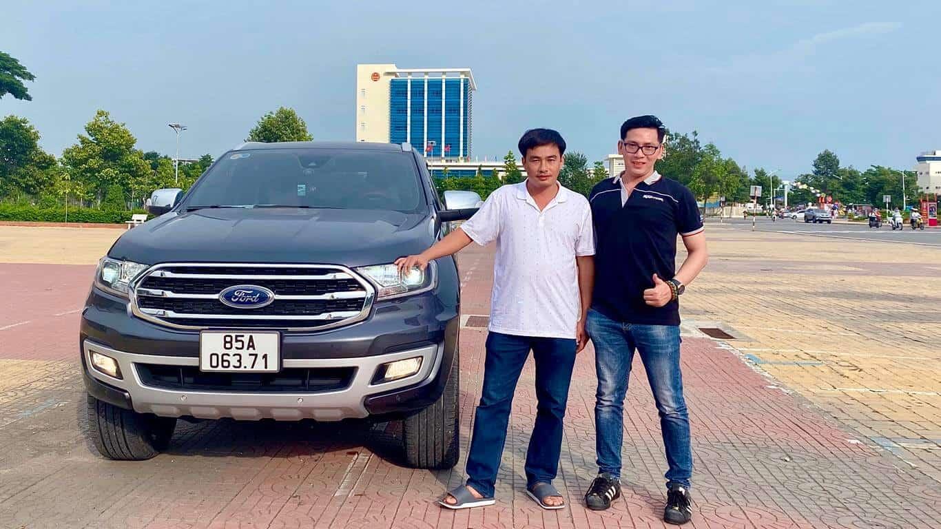 Giao xe Ford Everest Titanium Biturbo 4x4 2021 ở Ninh Thuận