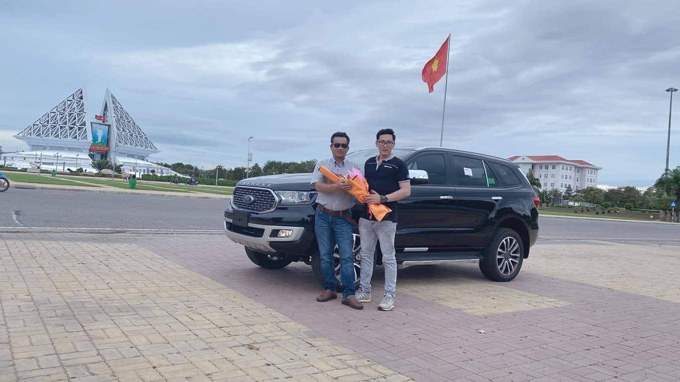 Giao xe Ford Everest Titanium ở Ninh Thuận