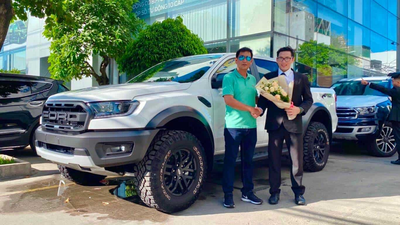 Giao xe Ford Ranger Raptor ở Nha Trang