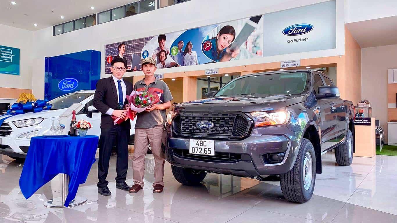 Giao xe Ford Ranger XL 4x4 ở Đắk Nông