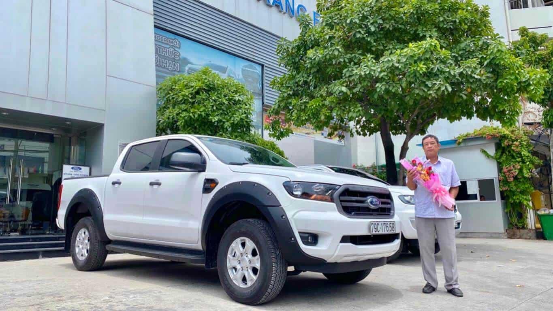 Giao xe Ford Ranger XLS AT ở Nha Trang