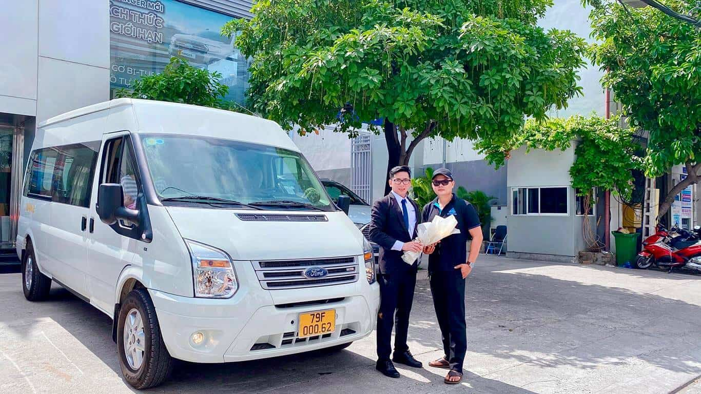 Giao xe Ford Transit 2021 ở Nha Trang