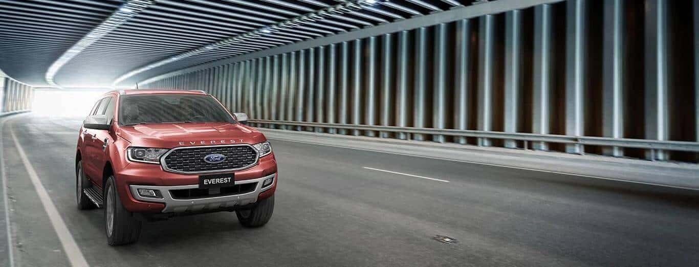 Động cơ mạnh mẽ của xe Ford Everest 2021