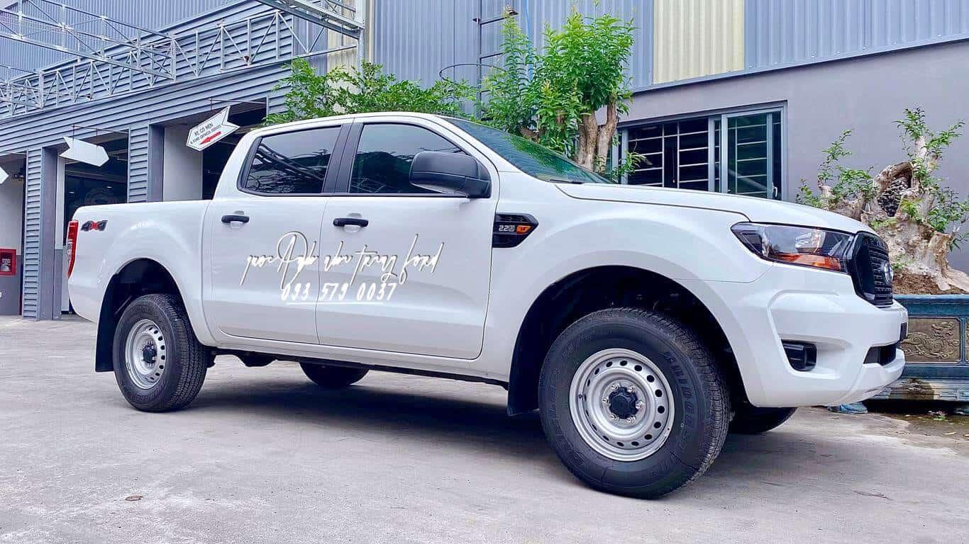 Diện mạo mới của xe Ford Ranger XLS AT 2021