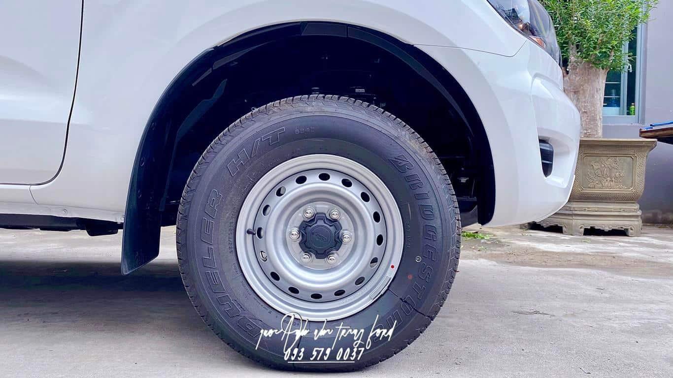 Ngoại thất Ford Ranger XL 4x4 2021