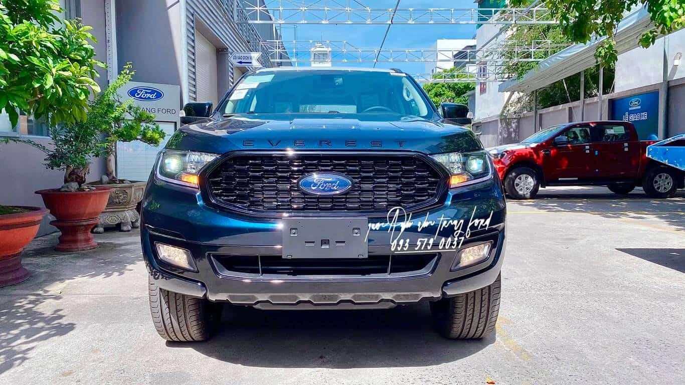 Ngoại thất Ford Everest Sport 4x2 2021
