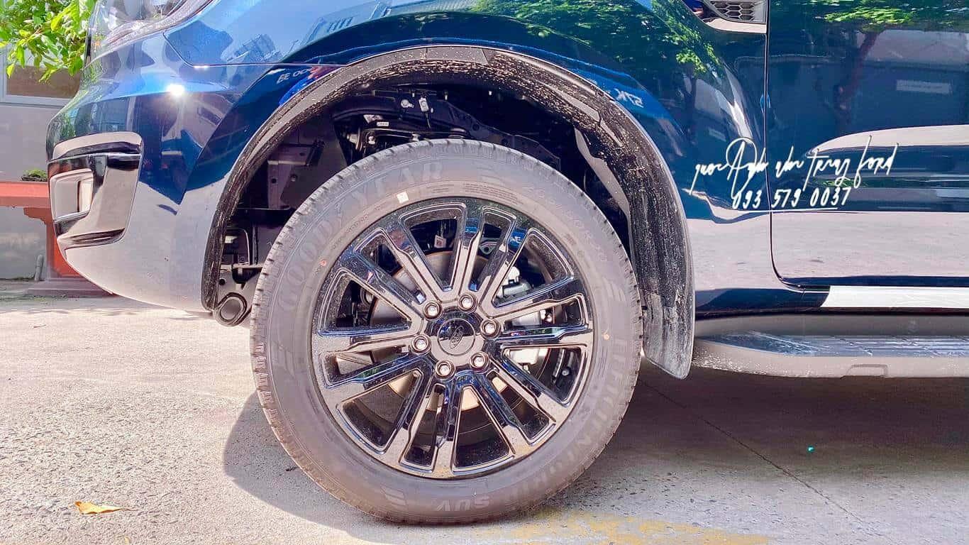 Động cơ Ford Everest Sport 4x2 2021