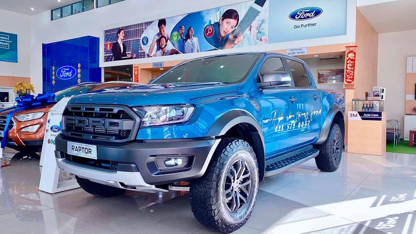 Ford Raptor màu xanh 2021