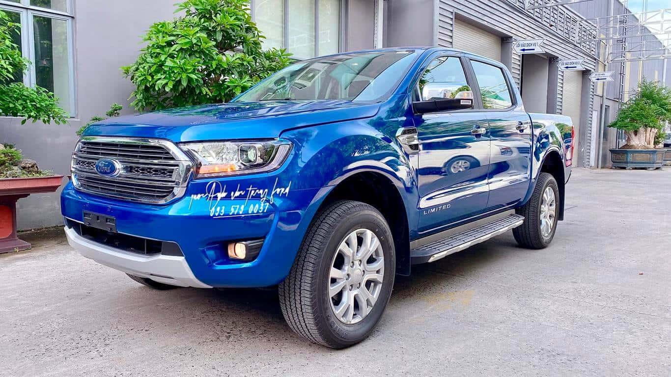 Ford Ranger Limited màu xanh