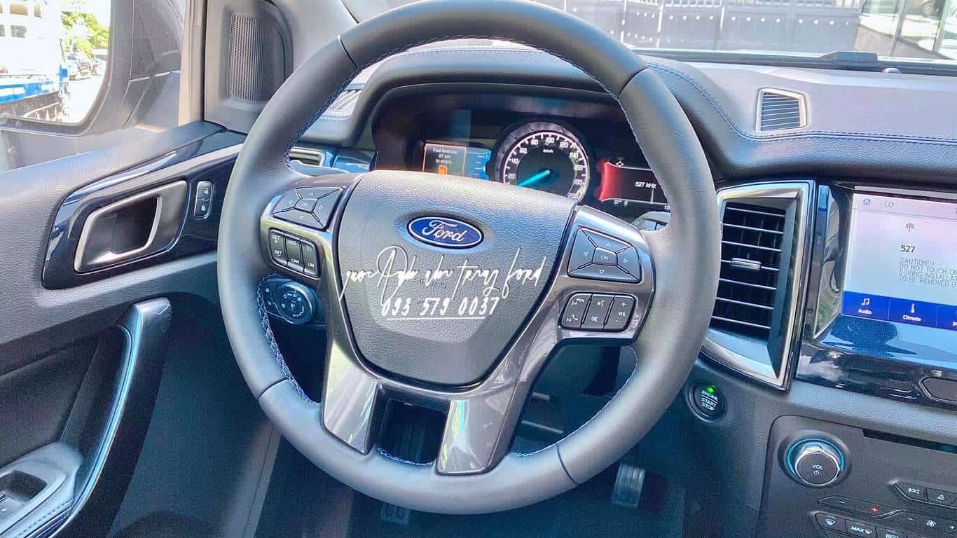 Nội thất Ford Everest Sport 4x2 2021