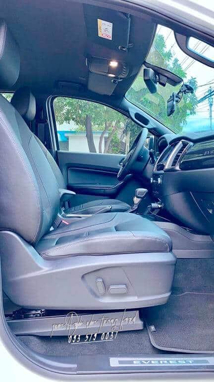 Nội thất Ford Everest Titanium 4x2 2021