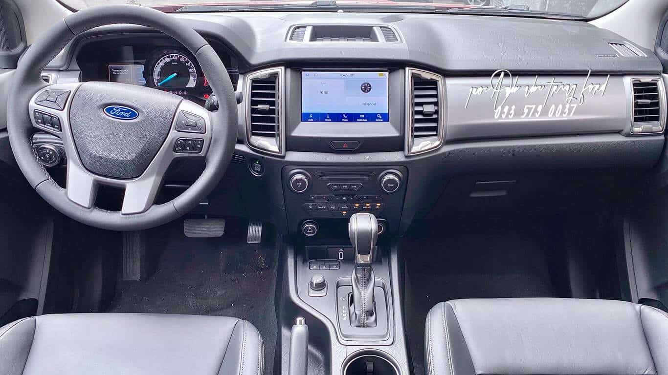 Nội thất Ford Ranger Limited 4x4 2021
