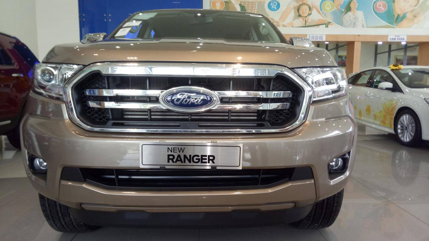 Ngoại thất Ford Ranger XLT AT